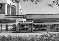 Leerstand am Eidelstedter Platz - kubische Architektur der 1970er Jahre, großes Schild Willkommen / schwarz-weiß Fotografie.