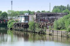 Ehemals denkmalgeschützte Lagerhäuser am Marktkanal in Hamburg Veddel, abgebrannt im Mai 2016.
