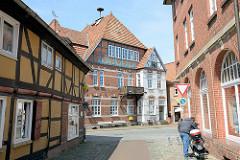 Die gesamte historische Altstadt / Insel von Hitzacker ( Elbe) steht unter Denkmalschutz; Blick zum Markplatz.