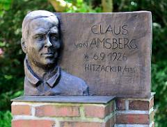 Denkmal Claus von Amsberg, Prinz der Niederlande - geboren  in Hitzacker.