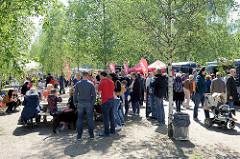 Veranstaltung ParkPerPlex am Pfingstwochenende 2017 im Stadtpark Norderstedt - Stände an der See-Promenade.