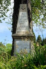 Kriegerdenkmal zur Erinnerung an den glorreichen Feldzug von 1870 - 71; beim Kirchhof in Hamburg Ochsenwerder.