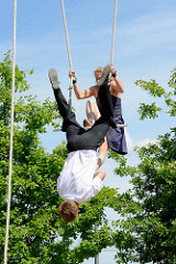 Fest der Straßenkünste im Norderstedter Stadtpark - Liv & Tobi, Akrobatik - Akrophobie, Höhenangst.