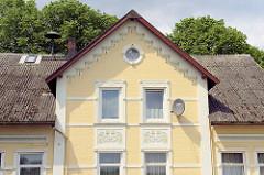 Historisches Wohnhaus, Einzelhaus mit Jugendstilfassade in Hamburg Moorwerder - Ortsteil von Wilhelmsburg.