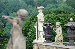 Balustraden-Statuen am Schloss Moritzburg