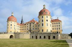 Barockschloß Moritzburg - Jagdschloß vom Kurfürst Moritz von Sachsen - Ursprungsgebäude von 1546. Umbau von Kurfürst Friedrich August I. von Sachsen zum Barockschloss / 1727.