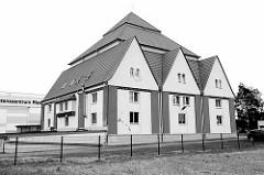 Gerätehaus der Freiwilligen Feuerwehr Riesa (Hauptwache) am Forschungszentrum.