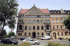 Lutherplatz / Pausitzer Straße in Riesa - Gebäude bei der Trinitatiskirche.