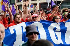 Demonstrationszug am 08. Juli gegen G20 in Hamburg - Sprechchöre.