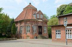 Michaelsens Gartenhaus (sog. Trichter) - historische Architektur in Wilster, jetzt Restaurant.