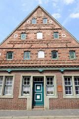 Historische Architektur in Wilster - Hudemannsches Haus, Bürgerhaus von 1596 - Wohnhaus, Tischlerei, Brauerei.