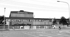 Gewerbearchitektur in Riesa - Drahtstiftwerke FERALPI GmbH.