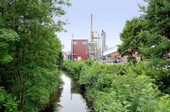 Nudelfabrik / Teigwarenherstellung in Riesa; Lauf der Döllnitz, die zum Riesaer Hafen führt.