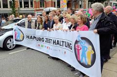 Transpartent / Domonstration Hamburg zeigt Haltung / St. Katharinenkirche - zweite Demonstration wg. des G20 Gipfels in Hamburg.