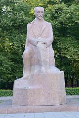Denkmal für den lettischen Schriftsteller J. Rainis  in Riga