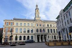 Rathaus von Riga - nach der Zerstörung vom Rathausplatz während des II. Weltkriegs wurde auch das Rathaus neu rekonstruiert.