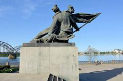 Denkmal für die russische Revolution von 1905 in Riga; Uferpromenade.