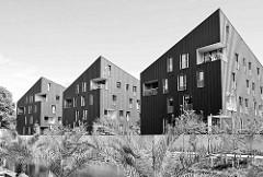 Moderne Architektur - Wohnungsneubauten, Wohnhäuser am Kaufhauskanal in Hamburg Harburg.