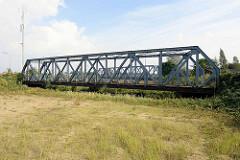 Der Ellerholzkanal, die Verbindung zwischen dem Rosshafen und dem Rodewischhafen / Travehafen wurde ab 2000 zugeschüttet, die Brücken sind geblieben.