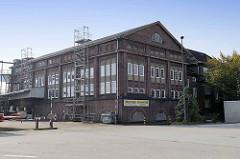 Gebäude der ehem. Elektrizitätswerke in Hamburg Waltershof / historische Industriearchitektur Hamburgs..