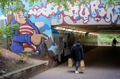 Fussgängertunnel unter der Rennbahnstrasse in Hamburg Horn - Wandmalerei / Grafitti.