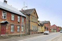Strassenzug in Fellin / Viljandi, Estland; Wohnhäuser in Holzbauweise.