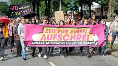 Transparente - Demonstration Zeit für einen Aufschrei in Hamburg - Unsere Alternative heisst Solidarität.