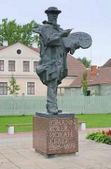 Denkmal, Bronzeskulptur vom Maler / Künstler Johann Köler 1826 - 1899 in Fellin / Viljandi, Estonia.