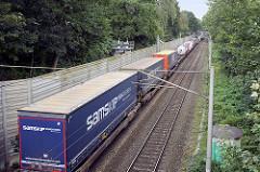 Güterumgehungsbahn in Hamburg Hamm, Güterzug mit Containern.