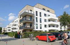 Neubauten am Veilchenweg in Hamburg Lokstedt - ehem. Sportplätze, jetzt Neubaugebiet Stadtgärten Lokstedt mit ca. 600 Wohnungen - Miet Preis z. B. 117 m² EUR 2000,00 (warm).