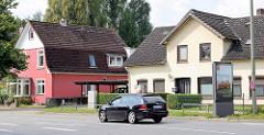Wohnhäuser, Einzelhäuser an der Niendorfer Strasse in Hamburg Lokstedt.