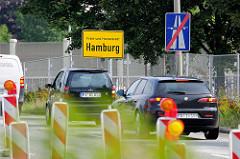 Autobahnabfahrt in Hamburg Stellingen; Schild Freie und Hansestadt Hamburg / Autobahn Ende.