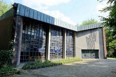 Kirchenschiff der Petruskirche in Hamburg Lokstedt - geweiht 1968; jetzt Gemeindezentrum - gemeinsame Nutzung mit der Koreanischen Gemeinde Hamburgs.