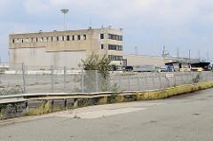 Gelände / Verwaltungsgebäude vom Buss Hansa Terminal am Hamburger Oderhafen. Das Terminal hat seinen Betrieb Ende 2016 eingestellt.