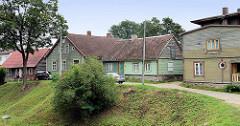 Holzhäuser in der Altstadt / Innenstadt von Fellin / Viljandi, Estland.