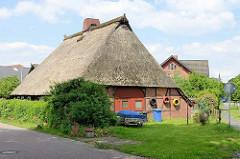 Fachwerkscheune mit Reetdach - Fotos aus Stelle, Landkreis Harburg.