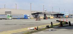 Lagergebäude / Lagerschuppen vom Buss Hansa Terminal am Hamburger Oderhafen. Das Terminal hat seinen Betrieb Ende 2016 eingestellt.