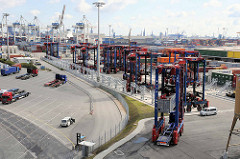 Container Terminal Tollerort auf Hamburg Steinwerder - Portalhubwagen / Van carrier.