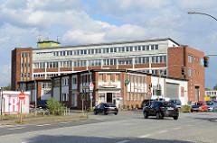 Verwaltungsgebäude der 1960er Jahre - Gewerbe in der Billstrasse in Hamburg Rothenburgsort.