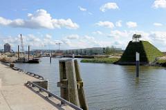 Veränderungen im Hamburger Baakenhafen der Hafencity - re. der Aussichtspunkt vom Baakenpark.