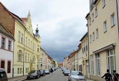 Unterschiedliche Bauformen / Architekturformen in der Rudolf Breitscheid Straße von Torgau.