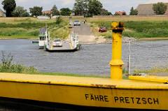 Elbe bei Pretzsch - Fährverbindung mit einer Gierseilfähre nach Mauken.