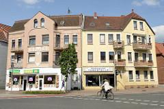 Mehrstöckige Doppelhäuser - Wohnhaus / Geschäftshaus in der Lüneburger Straße von Winsen / Luhe.