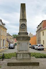 Denkmal für die 1866 + 1870 / 71 für das Vaterland gefallenen Söhnen der Stadt Pretzsch; Marktplatz der Stadt.