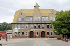 Ehem. Polytechnische Oberschule in Dommitzsch, jetzt Nutzung als Grundschule.