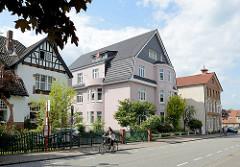 Mehrstöckige Wohnhäuser, Bahnhofsstraße in Winsen / Luhe.