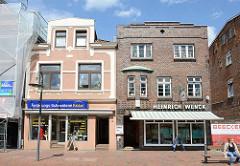 Unterschiedliche Architekturformen in Winsen, Luhe; Gründerzeitgebäude und Baustil der 1920er Jahre - Backsteinexpressionismus. Der Vorgängerbau war das Geburtshaus von Eckermann, Adlatus von Goethe.