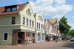 Wohnhäuser / Geschäftshäuser in der Marktstraße von Winsen Luhe - Gebäude der Gründerzeit / Baustil Historismus.