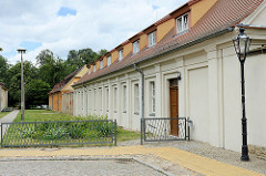 Wohnhäuser / Gartenhäuser beim Schloss Pretzsch (Elbe).