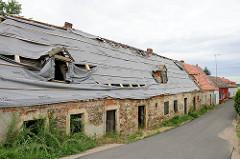 Gebäude Schloß Promnitz, erbaut im 17. u. 18. Jahrhundert am Elbufer bei Riesa. Während der DDR Zeit Sitz einer LPG, 1995 für eine symbolische Mark verkauft.......